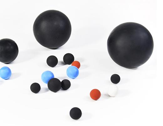 ゴム製ボール image